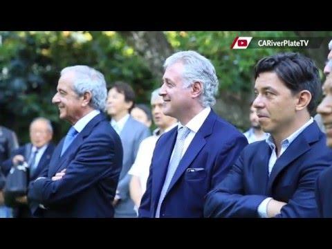 River de visita en la residencia del embajador de Japón