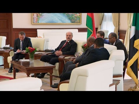 Официальные переговоры Президента Беларуси Александра Лукашенко с Президентом Судана Омаром Хасаном Ахмедом аль-Баширом прошли в Хартуме.