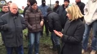 Video La députée Corinne Erhel à la rencontre des agriculteurs à Lannion MP3, 3GP, MP4, WEBM, AVI, FLV Juni 2017
