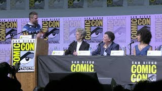 "Couldn't make it to this year's Doctor Who panel at San Diego Comic-Con's Hall H? Don't worry, we've got you covered. Subscribe now: http://bit.ly/1aP6Fo9The Doctor (Peter Capaldi) is an alien Time Lord from the planet Gallifrey who travels through all of time and space in his TARDIS with his companion. Instead of dying, the Doctor is able to """"regenerate"""" into a new body, taking on a new personality with each regeneration.Twitter: http://twitter.com/doctorwho_bbcaFacebook: http://www.facebook.com/DoctorWhoTumblr: http://DoctorWho.tumblr.comInstagram: http://instagram.com/doctorwho_bbcaSnapchat: http://snapchat.com/add/bbcamerica_tv"