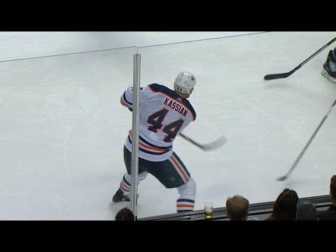 Video: Kassian feeds Maroon with long cross-ice pass to tie game against Bruins