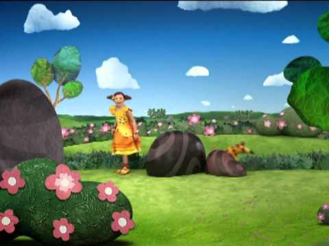 Clarilú: - En este jardín mágico vive alguien muy especial. Tiene un montón de amigos y el pasatiempo más divertido: resolver misterios. ¿Querés acompañarla? ¡Es Claril...