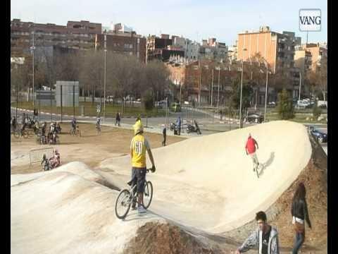 Badalona estrena el skatepark más grande de España