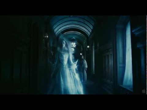 Video: Dark Shadows by Tim Burton – Trailer