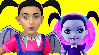 Video Junior Vampirina and Max Pretend Play with favorite toys MP3, 3GP, MP4, WEBM, AVI, FLV Januari 2019