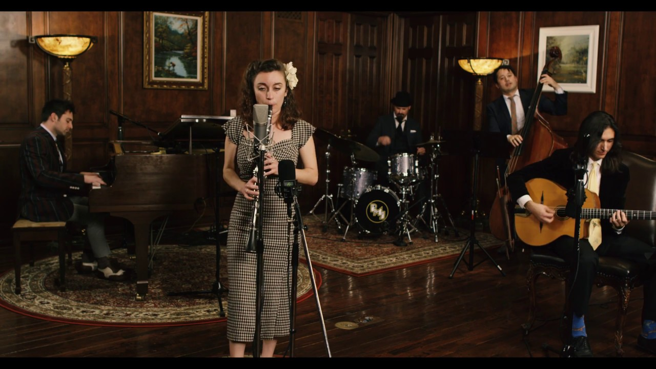 No Surprises – Vintage 1930s Jazz Radiohead Cover ft. Chloe Feoranzo