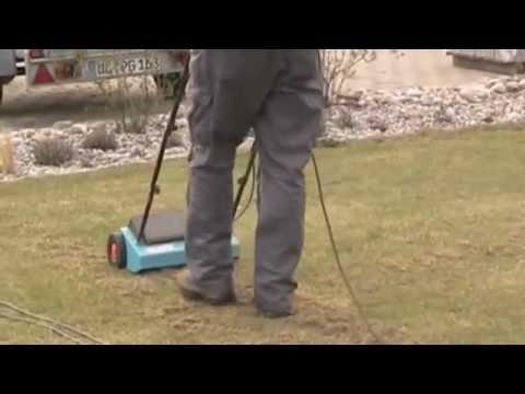 Rasen lueften mit dem Rasenluefter von Gardena