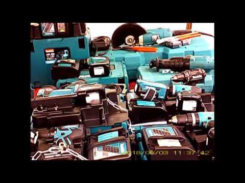 Verbotener Verkauf von Neuware auf dem OBI Flohmarkt in Berlin Neukölln.