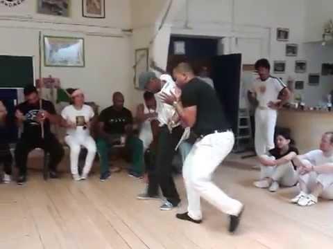 20 anos Capoeira Dandara - Mestre Ediandro e Contra Mestre Couro Seco (видео)