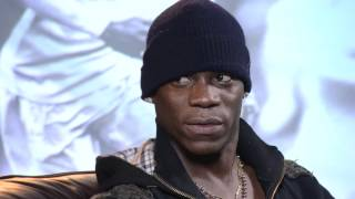 Video Noel Gallagher meets Mario Balotelli HD MP3, 3GP, MP4, WEBM, AVI, FLV Juli 2018