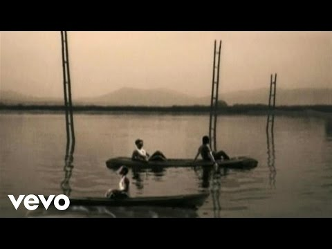 Restos De Abril - Camila (Video)