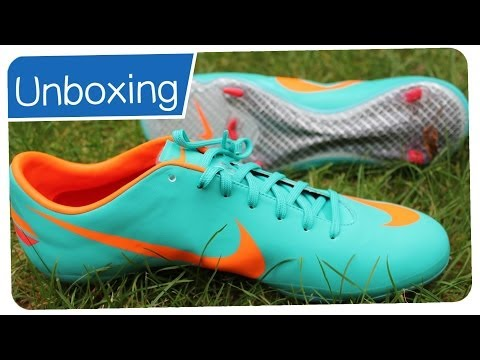 Nike_Mercurial_Video - Facebook : http://www.facebook.com/pages/Germankickerz/257054884350362 Twitter : https://twitter.com/#!/germankickerz Schuhe gesponsert von : http://www.11te...