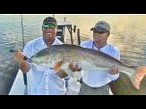 Schools In Giant Redfish! CHEW ON THIS Saltwater Fishing Show