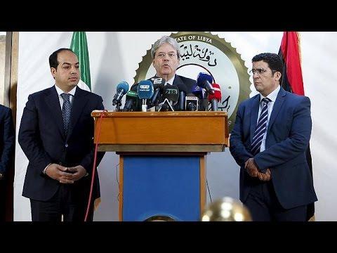 Λιβύη: Ο Ιταλός ΥΠΕΞ στηρίζει τη νέα κυβέρνηση «ενότητας»
