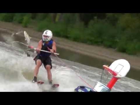 美國興起另類捕魚運動:超驚險刺激的衝浪捕魚投籃!