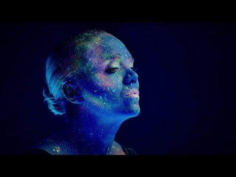Lucie Vondráčková – Milování – Official Video