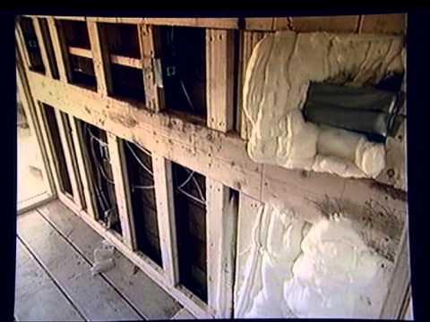 Pěna Icynene pro izolaci dřevostaveb (starší video z Kanady)