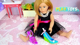 Play American Girl Doll Shoe Accessories Decoration with Doll Wardrobe in Doll room by Play Toys!