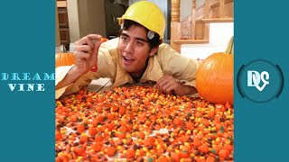 Video Zach King Magic Vines 2016 | Best Zach King Magic Tricks MP3, 3GP, MP4, WEBM, AVI, FLV Juni 2018