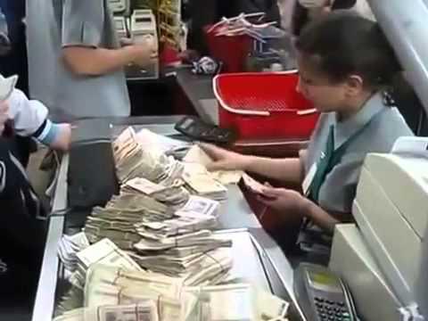 Парни закупились в магазине, но когда пришло время платить у продавца был шок