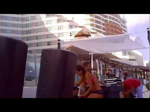Dj Daniel Sanchez @ Beach Club @ Hotel ME by Melia (Cancun - mexico) 03-03-2012