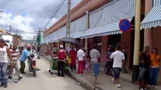 Download Lagu Guantanamo Cuba - Caminando en el Centro Mp3