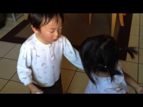 教訓妹妹哥哥卻自己哭,這到底是怎麼回事!?