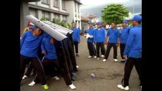 Download Video Pembekalan CPNS Kemenkumham Sulsel 2013 - Pasukan Huru Hara Beraksi di Lapas Klas I Makassar MP3 3GP MP4