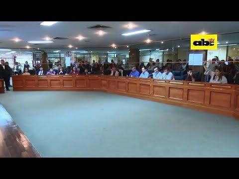 Junta posterga análisis de rescisión de contrato con Parxin