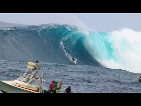 Epic surf session at Jaws – Red Bull Young Jaws