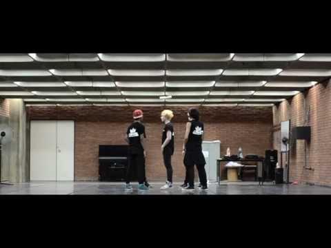 Champs - Dynamite [Dance Practice] (видео)