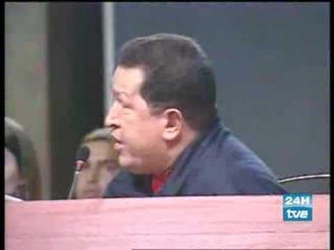 El rey manda callar a Hugo Chavez - Why don't you shut up?