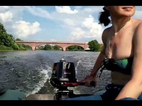 обкатка нового лодочного 2х тактного мотора видео