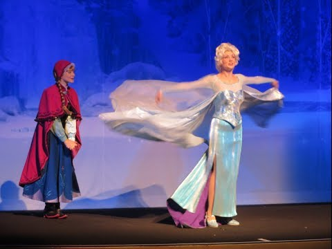 Disney Frozen Elsa and Anna character pre show at the El Capitan Theatre