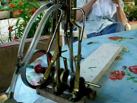 moteur vapeur - BICYLINDRE VERTICAL MAISON.