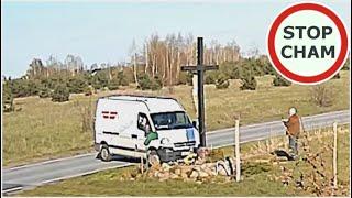 Janusz blokuje pół drogi, żeby zrobić zdjęcia samochodu na OLX