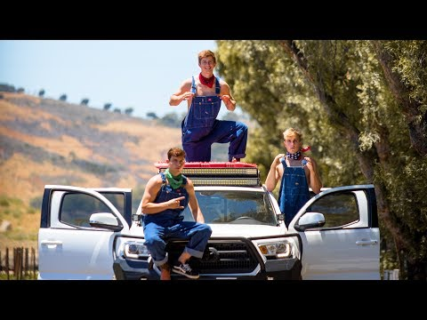 Video Jake Paul - Ohio Fried Chicken (Song) feat. Team 10 (Official Music Video) download in MP3, 3GP, MP4, WEBM, AVI, FLV January 2017