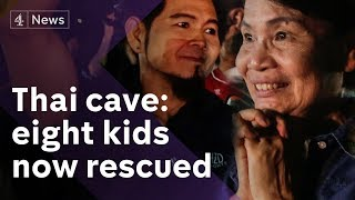 Video Thai cave rescue: 8 kids saved - their football team react MP3, 3GP, MP4, WEBM, AVI, FLV Maret 2019