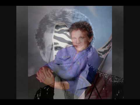 Tekst piosenki Bobby Vinton - Blue Hawaii po polsku