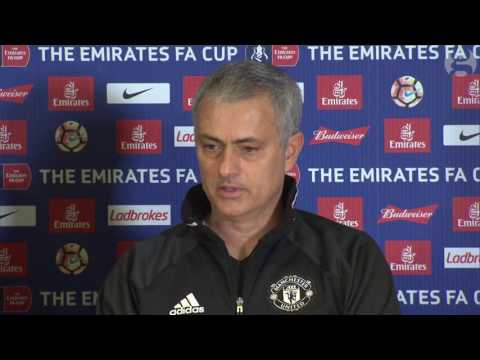 'Judas is No1,' says Mourinho after Manchester United lose at Chelsea – video (видео)