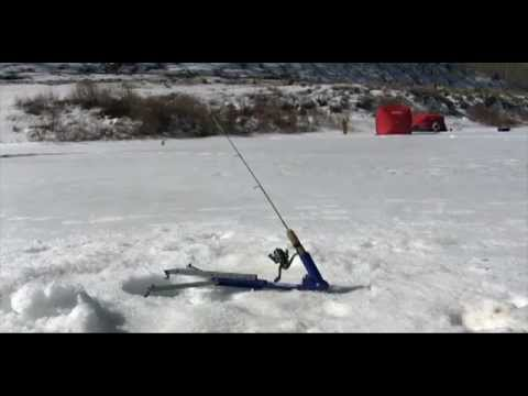 Full video the jaw jacker ice fishing supplies for Jaw jacker ice fishing
