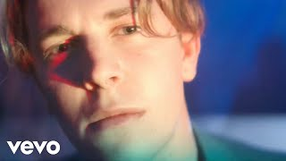 Tom Odell music video Wrong Crowd