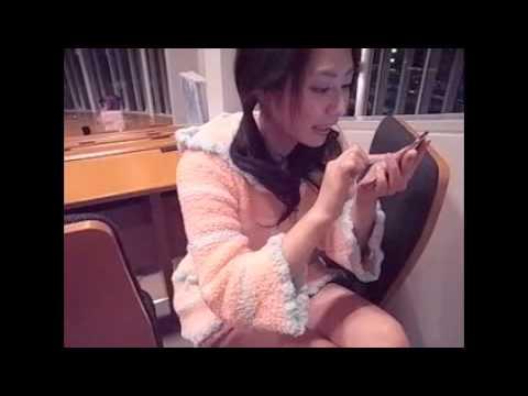 谷桃子、妄撮 for iPhone で遊ぶ