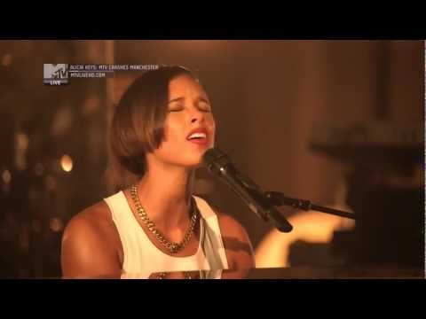 Alicia Keys, Manchester Cathedral - Not Even The King (HD).