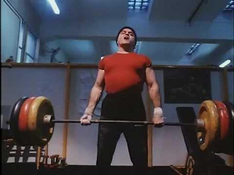 Paul Naschy workout - La noche del ejecutor (1992)