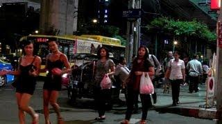Bangkok 2013 - Sukhumvit Road Nana Plaza
