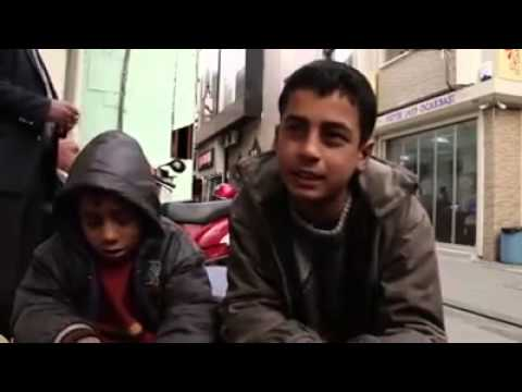 قصة طفل سوري مهجر يقول: كرامتي أهم شيء في حياتي.