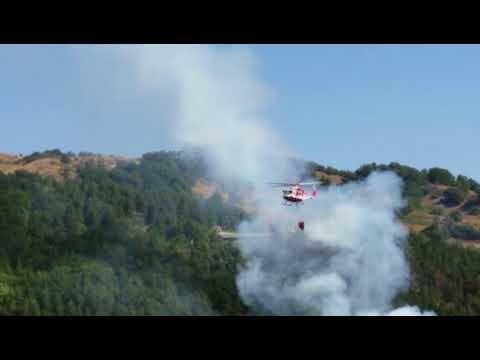 Teramo, incendio di Magnanella: fronte di fuoco di 100 metri VIDEO