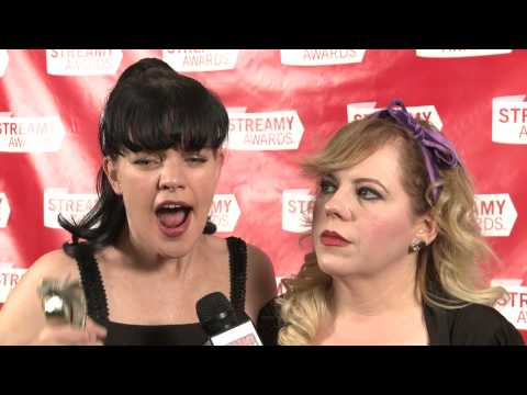 Pauley Perrette & Kirsten Vangsness Backstage Interview - Streamy Awards 2013