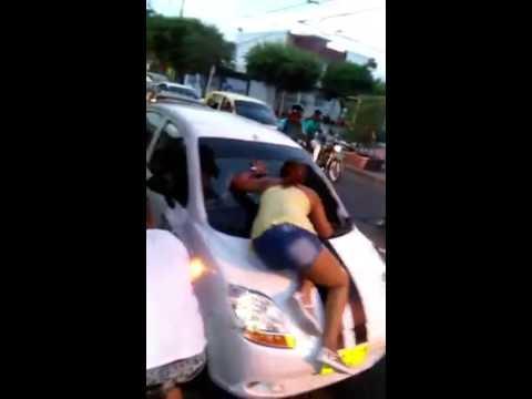 Nuevo caso de bájela del carro en Valledupar